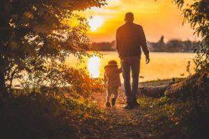 Обязан ли отец платить алименты после развода
